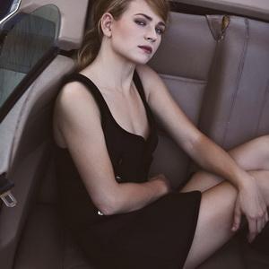 Britt Robertson leaked pics